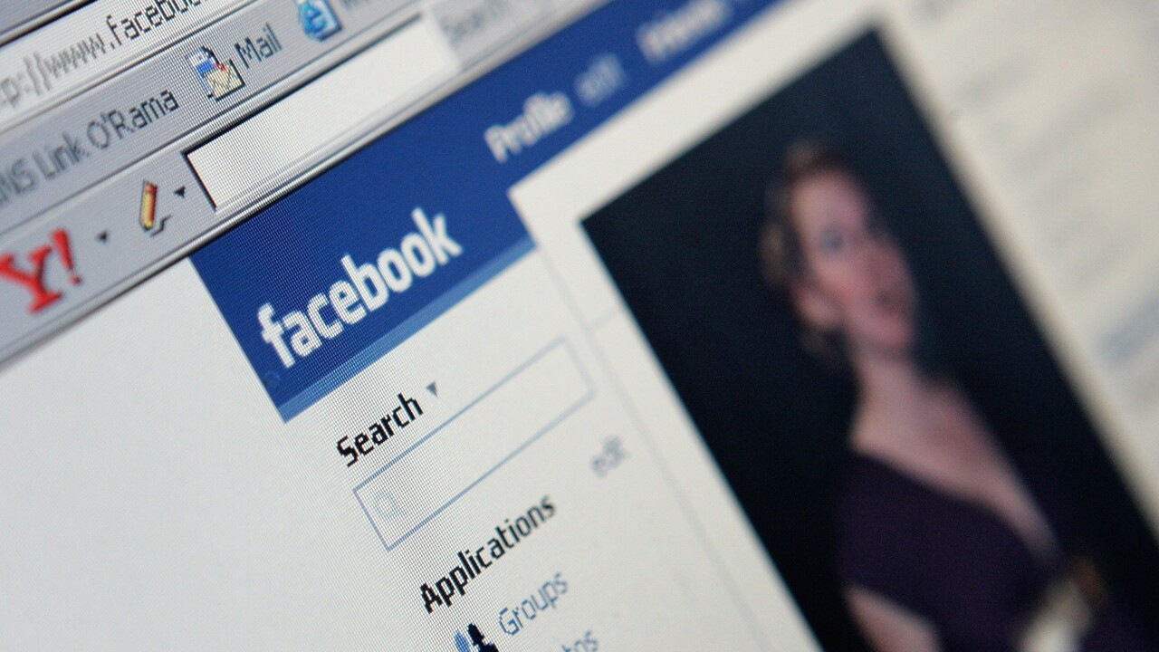 Facebook confirms privacy flaw with New Year's message service, takes it offline to fix issue