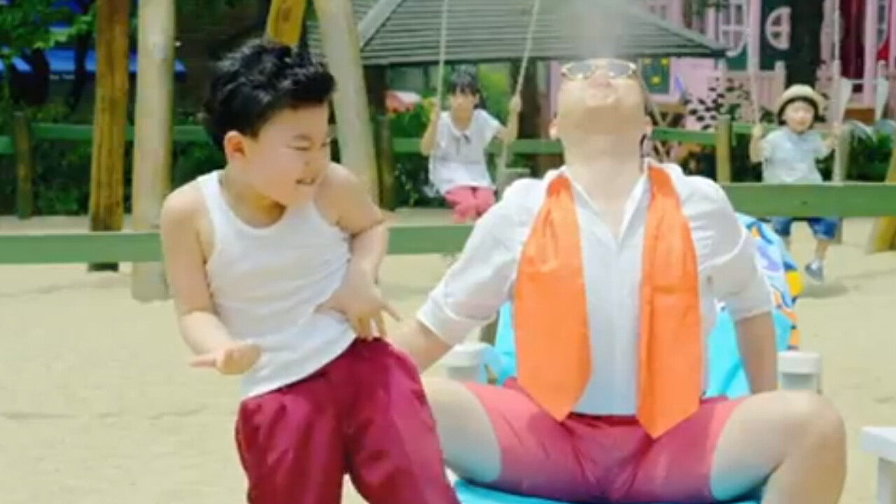 """Little guy, big stage presence: Watch the kid from """"Gangnam Style"""" bust a move"""