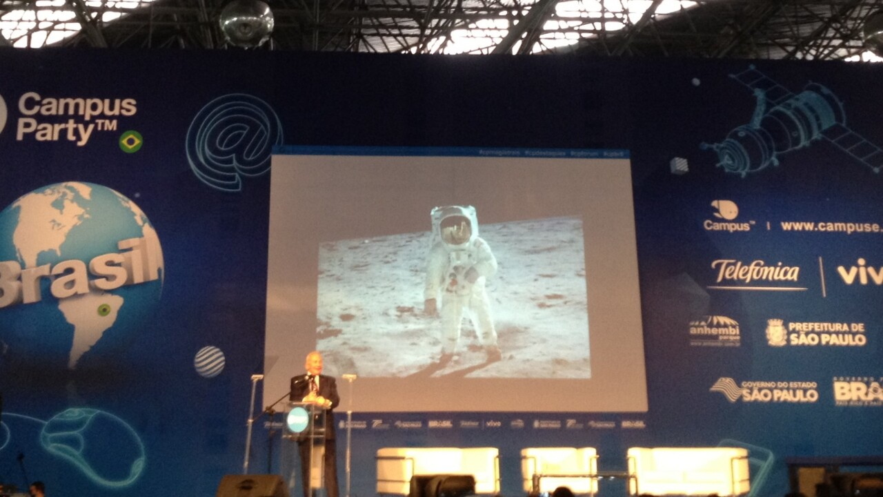 Buzz Aldrin remembers the moon's magnificent desolation as he calls for missions to Mars