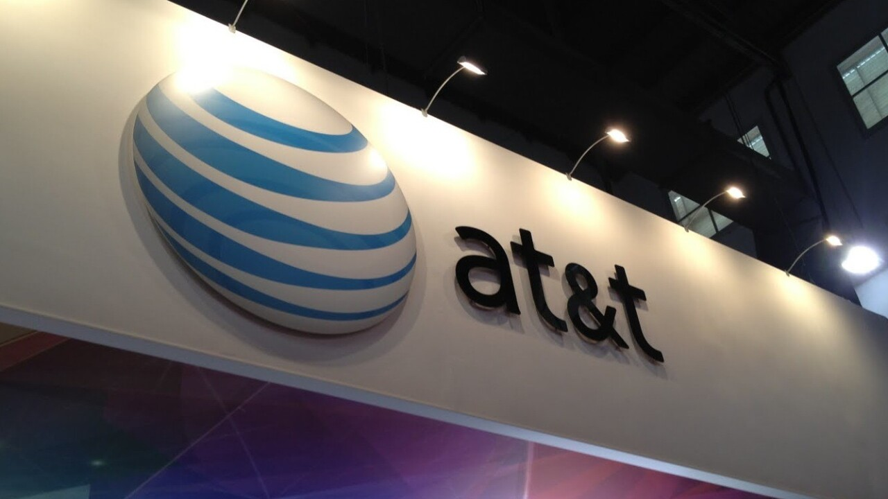 AT&T sold a record 10m smartphones in Q4 2012, helped by best-ever sales of Android and Apple devices