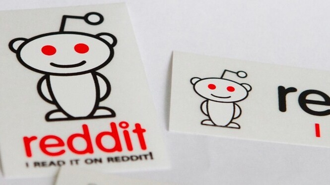 The Redditlet bookmarklet brings the best of Reddit to the website you are current reading