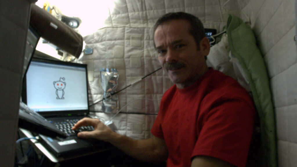 ISS Astronaut Chris Hadfield's Reddit AMA is out of this world