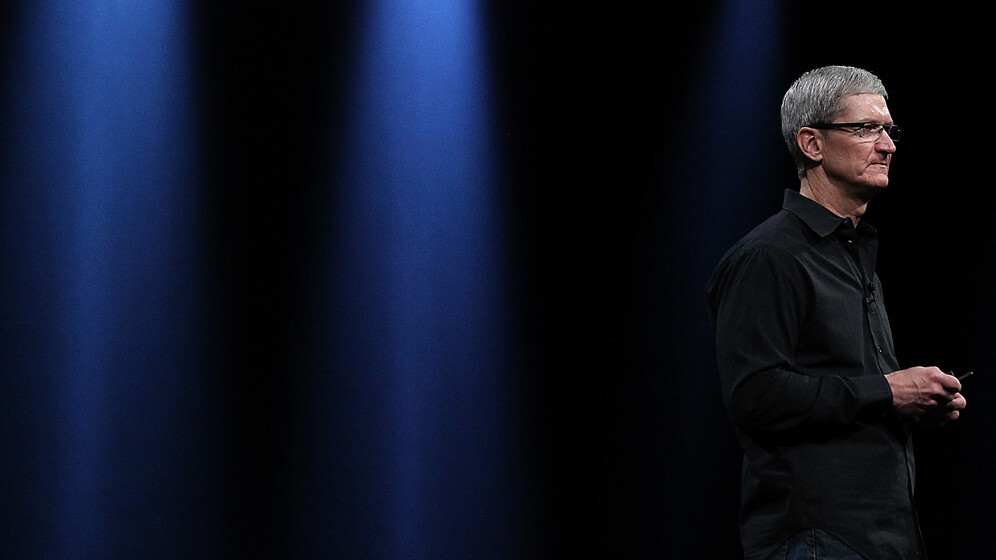 Apple CEO Tim Cook apologizes to consumers in China and unveils new warranty policies for iPhone 4/4S