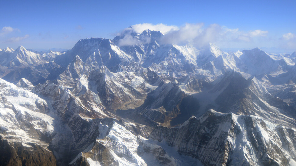 Microsoft scales Mount Everest, partnering with GlacierWorks to celebrate 60 years since first successful ascent