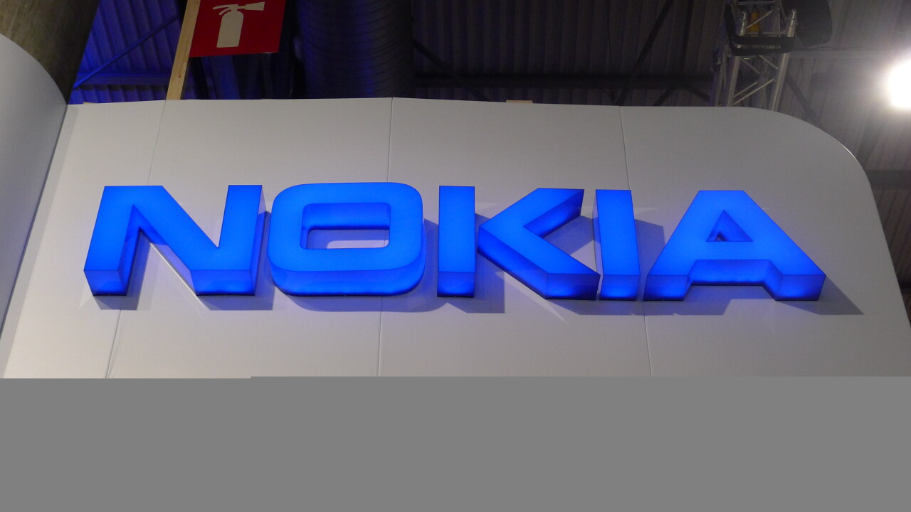 Nokia unveils the Lumia 925, its new flagship Windows Phone 8 smartphone to combat Apple and Samsung