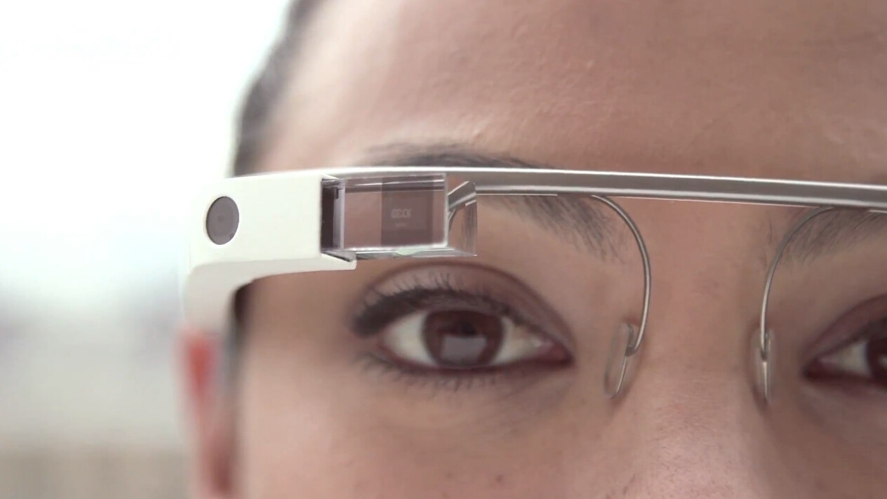 This Google Glass tutorial video gives the rest of us a peek behind the lens