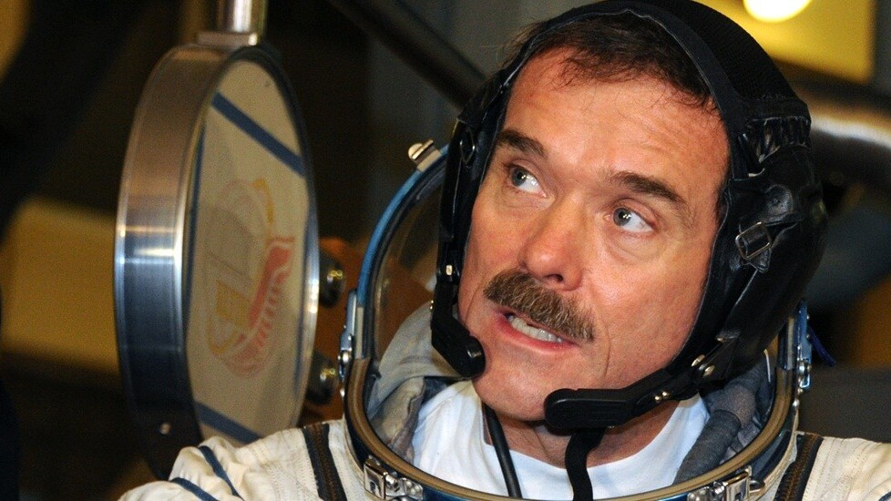 Commander Chris Hadfield signs off from space with epic cover of David Bowie's 'Space Oddity'