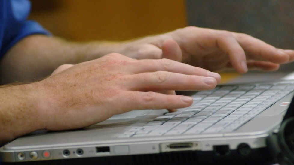 FTC tells search engines to better distinguish between search results and advertisements