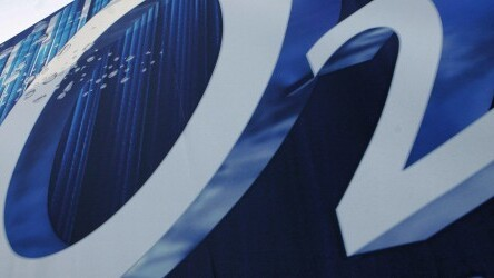 O2 Wallet for iOS, Android and BlackBerry now lets users top-up any 'Pay & Go' number in the UK