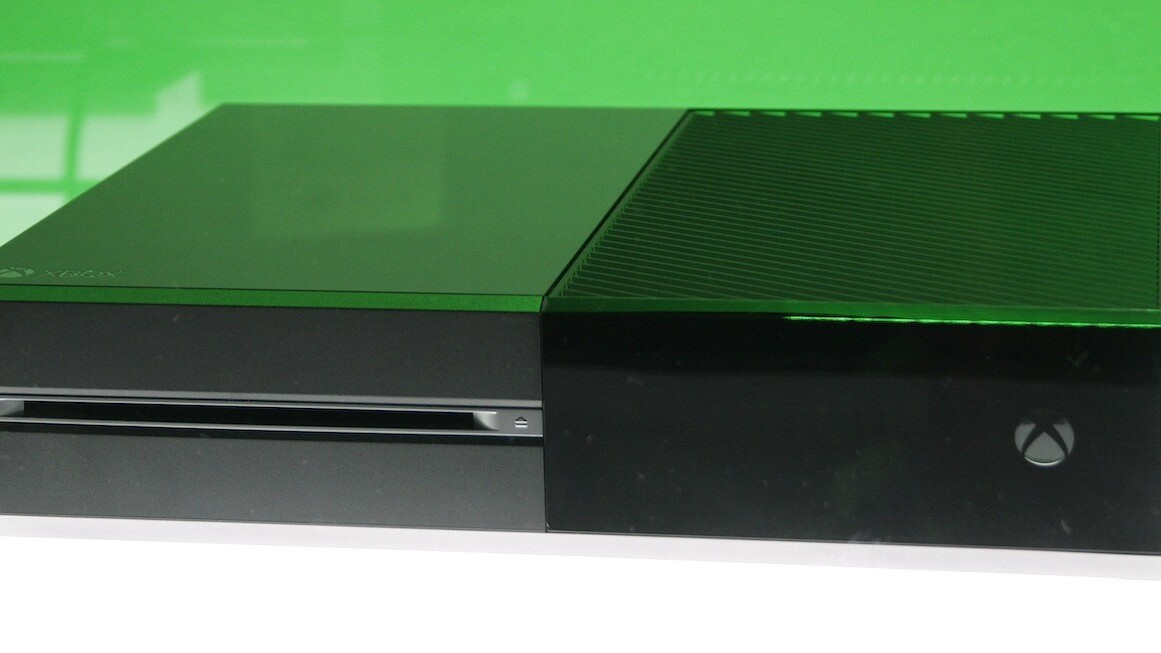 Microsoft's E3 Xbox One tech demo: 300,000 asteroids, spinal thumbsticks and NFL multi-tasking