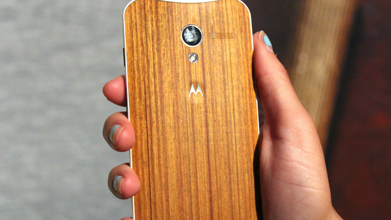 Motorola teases beautiful oak and rosewood-backed Moto X devices, shipping in Q4