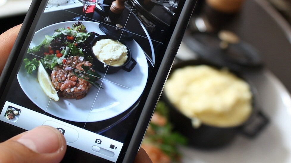Jawbone's UP app for iOS now offers better food logging tools and a simple 'food score'