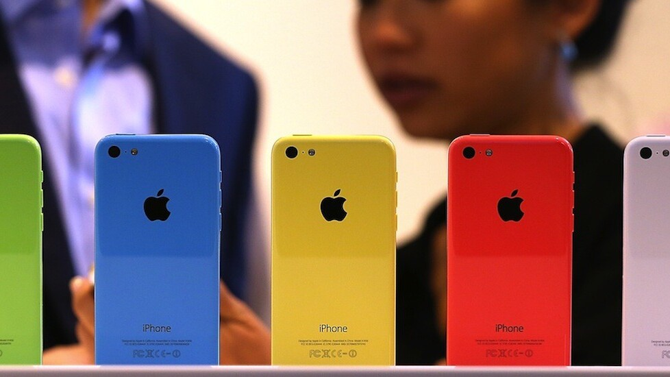 The iPhone 5c is proving less popular in China, as the iPhone 5s is an early hit
