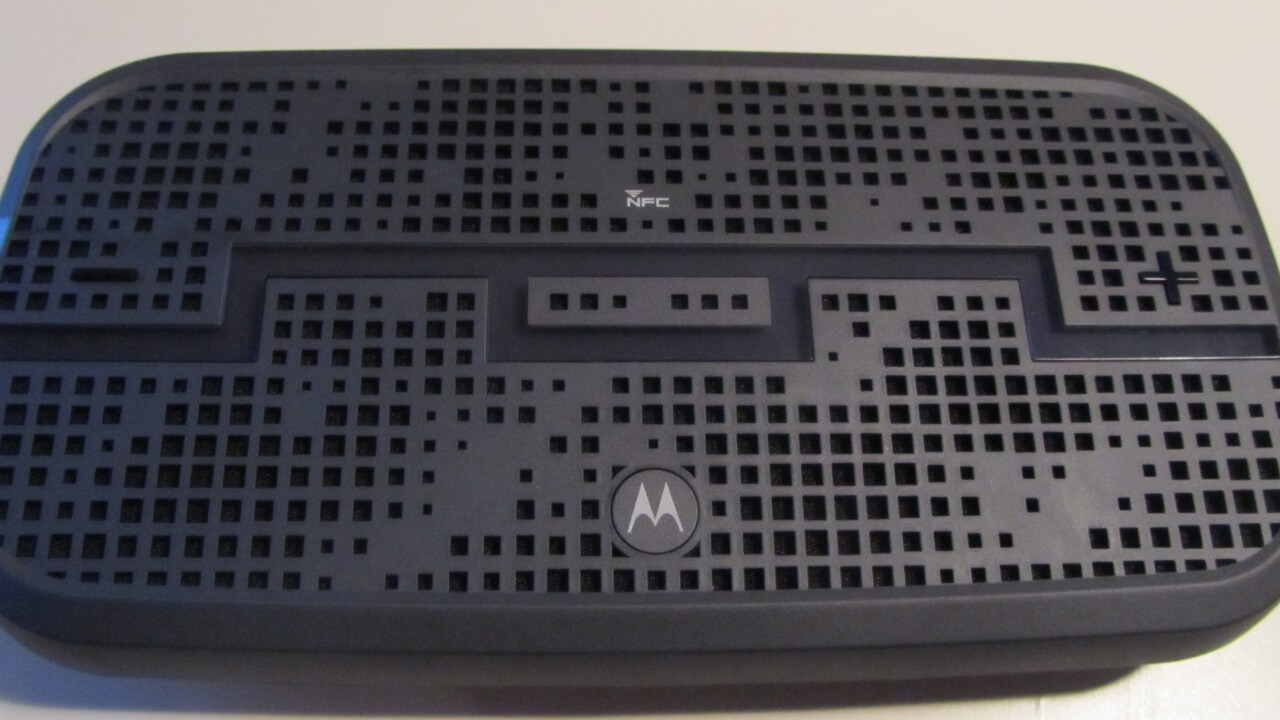SOL Republic & Motorola DECK review: An NFC-enabled Bluetooth stereo speaker with a punchy mid-range