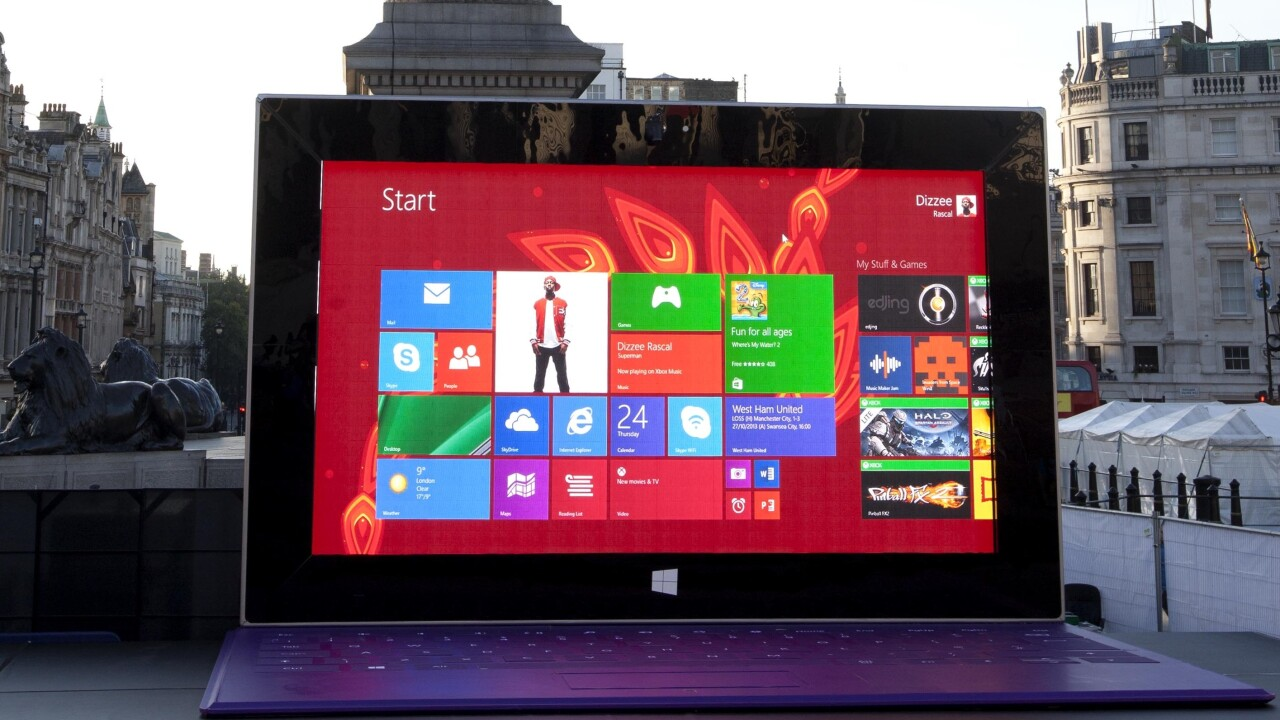 Microsoft's least portable tablet ever: 27ft wide and 17ft tall Surface 2 lands in central London