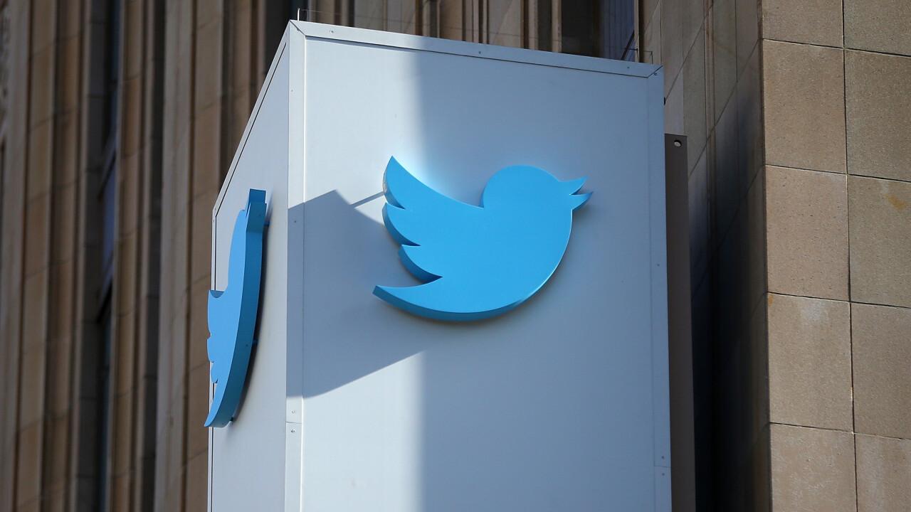 Here's how to create Twitter's new custom timelines in Tweetdeck