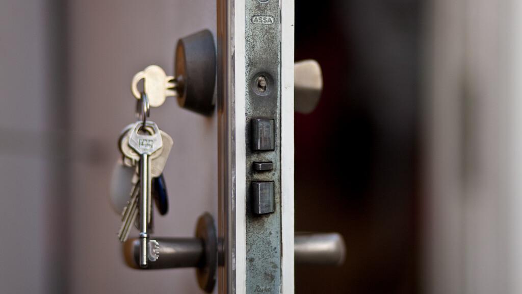 Node.js team member cracks CloudFlare's Heartbleed challenge, proving that the bug exposes SSL keys
