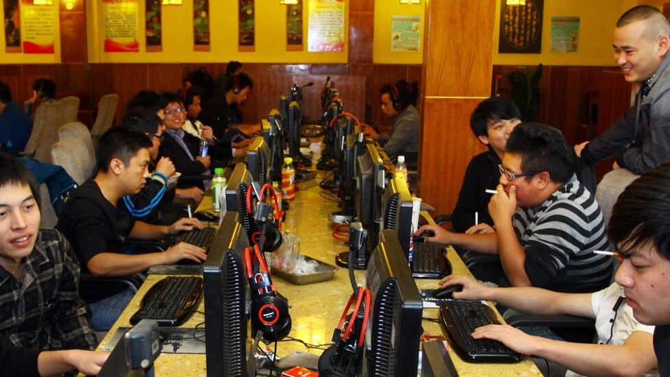 A major Internet outage knocked out two-thirds of China's .com domains for an hour