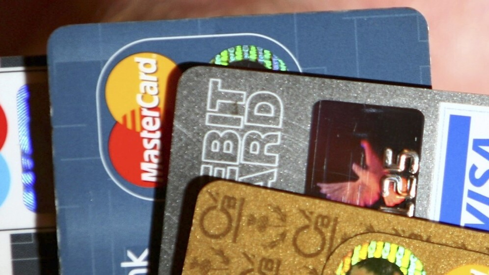 Birdback wants to link your loyalty cards and vouchers directly to your cash card