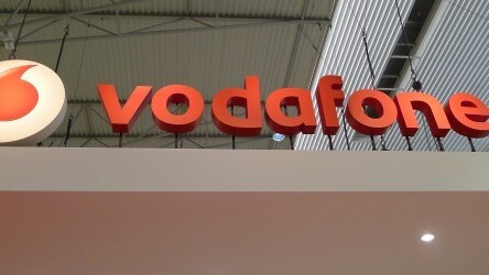 Vodafone hits 500,000 4G subscribers in the UK, one month faster than its rival EE