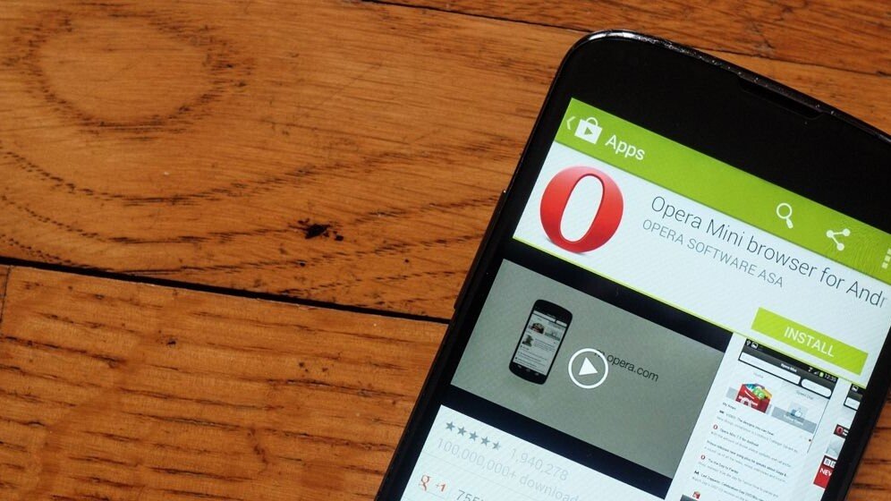 Opera Mini 8 sports a new look for basic phone users, tacks on private and night modes