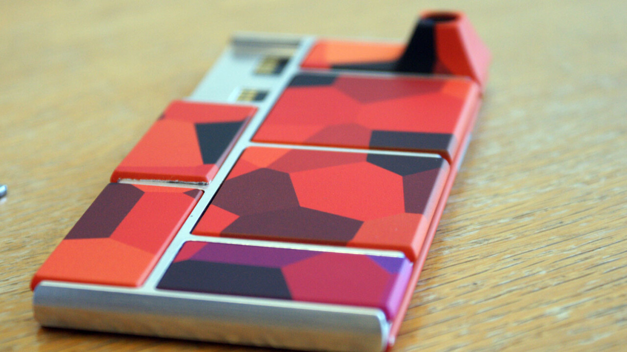 Google announces the next Project ARA modular phone event and we get a video of the prototype booting up