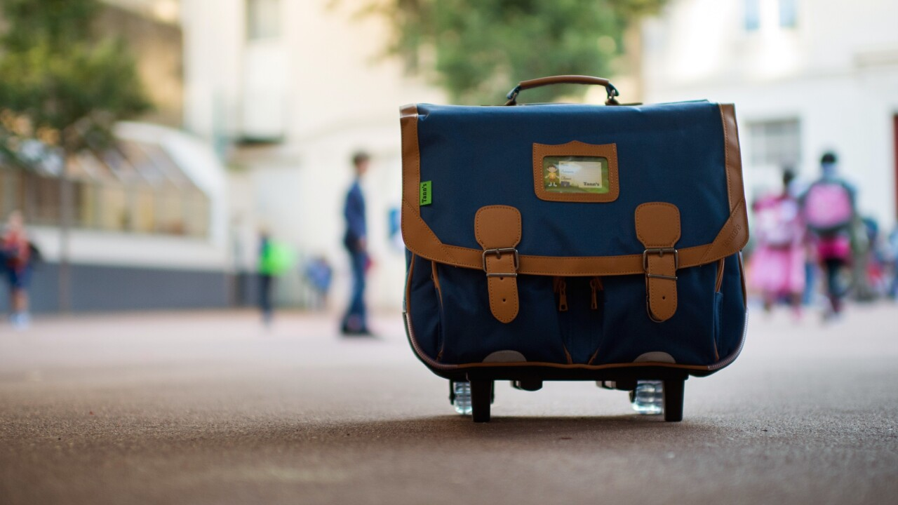 Sakoos for iOS is a photo-sharing app that answers one simple question: 'What's in your bag?'