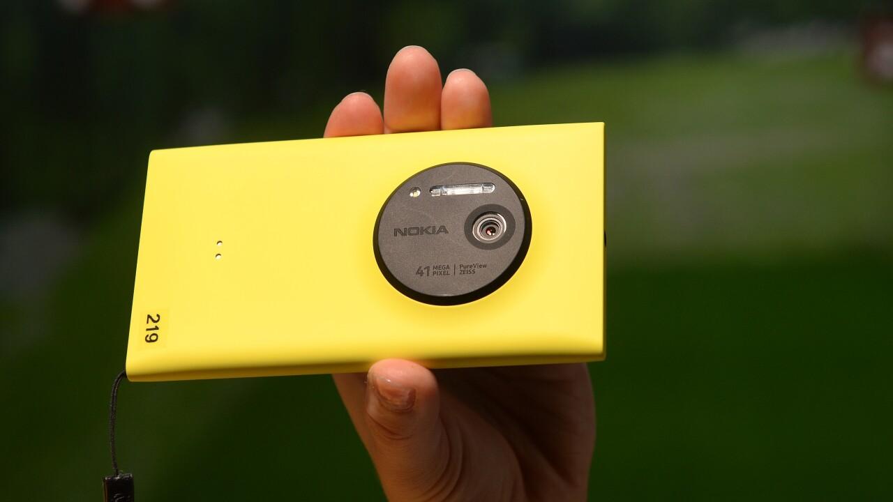 Microsoft sold 5.8M Lumia smartphones and 30.3M non-Lumia handsets during its last quarter