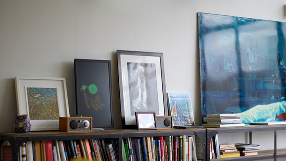 Electric Objects' EO1 frame brings the Internet to a wall near you
