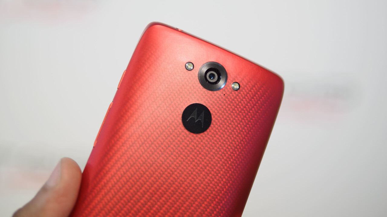 Motorola Droid Turbo Hands-on: A Moto X with a huge battery and better camera