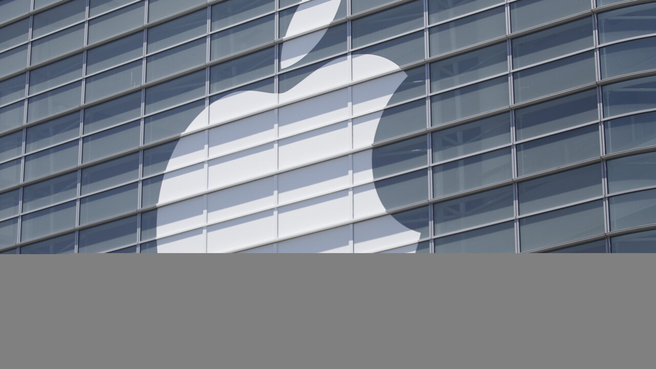 """Apple halts online sales in Russia due to """"extreme"""" ruble fluctuations"""