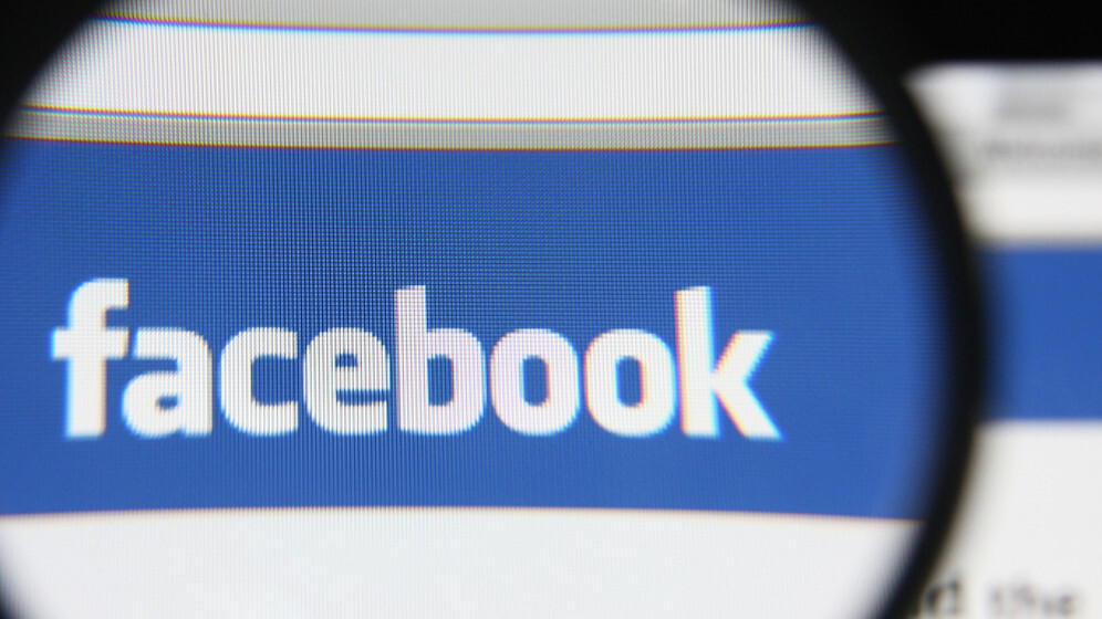 Facebook is adding a new feature to help with suicide prevention in the US