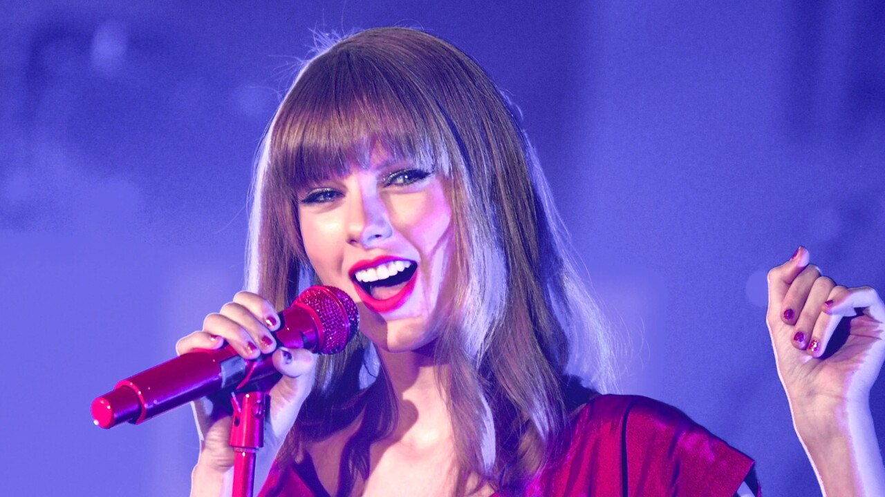 Taylor Swift removes all her albums from Spotify and other streaming services