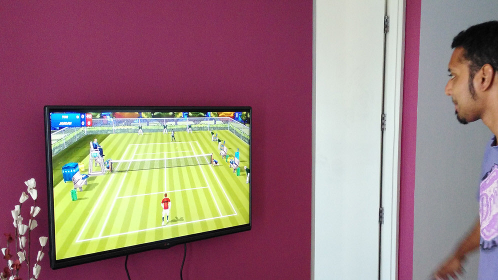 This Android game uses Chromecast to turn your phone into a tennis racquet