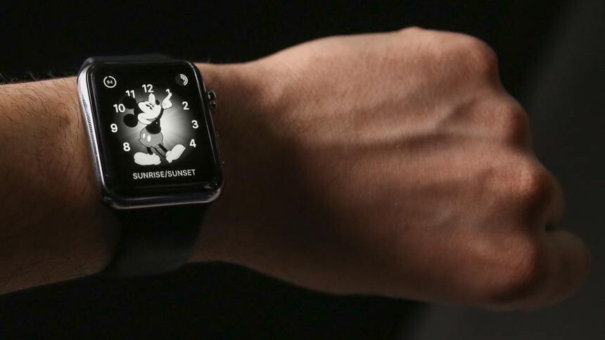 Make your Apple Watch look even cooler, in grayscale mode