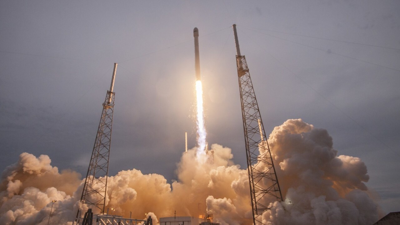 Elon Musk's SpaceX reportedly files with the FCC to offer Web access worldwide via satellite