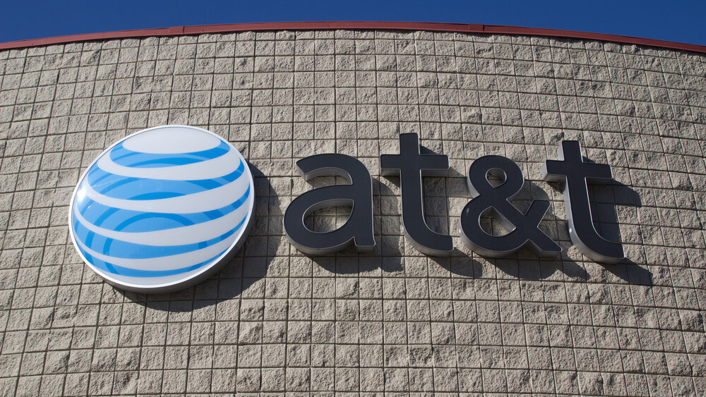 FCC will fine AT&T $100 million for 'misleading customers' and throttling unlimited data