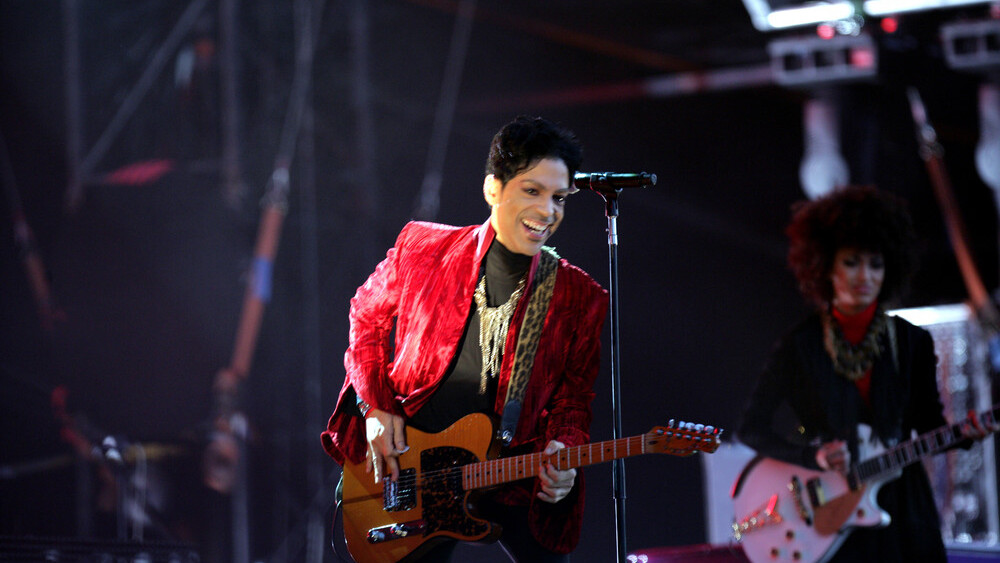 Prince reportedly pulls music from all streaming services except Tidal