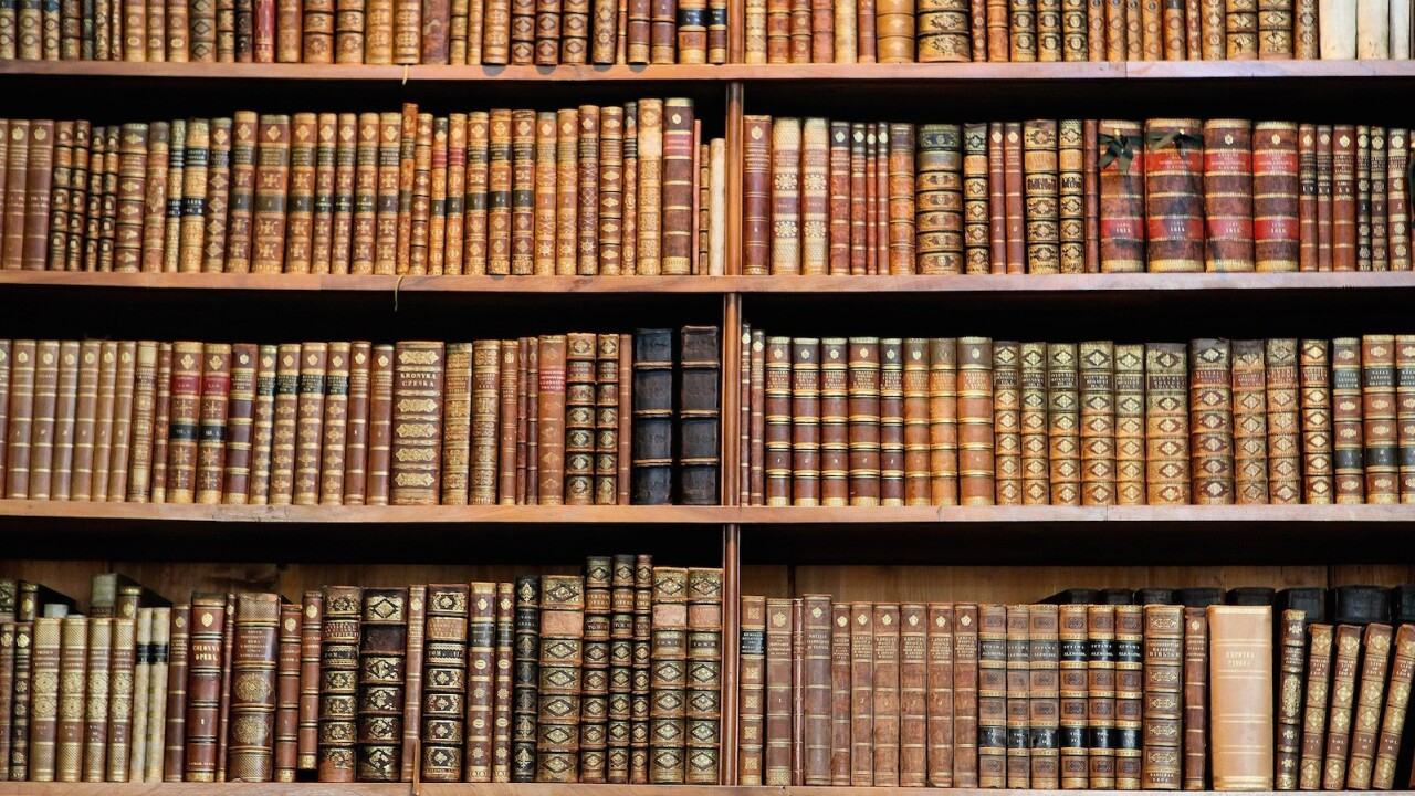 30 essential books for business, marketing and social media