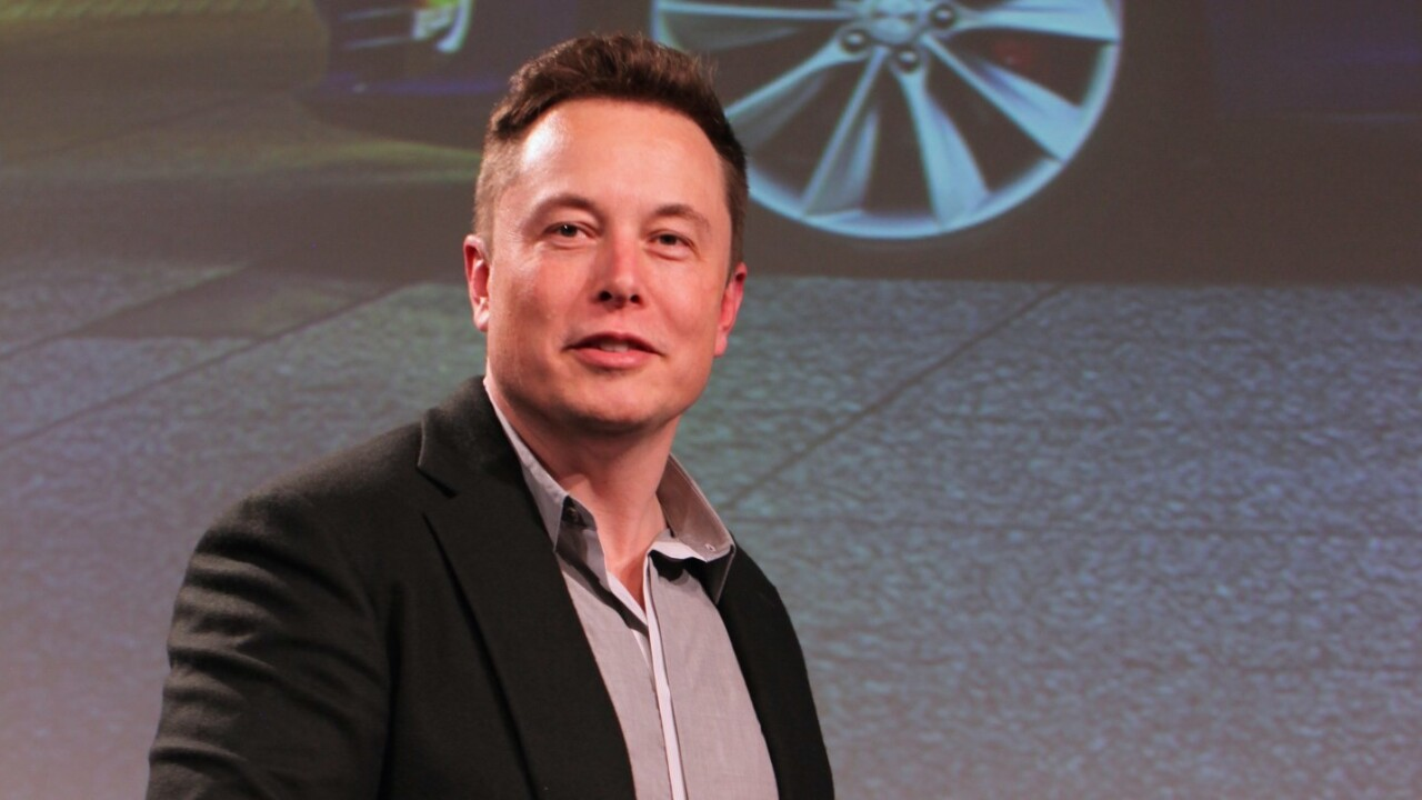 Elon Musk says Apple is working on electric cars, but doesn't see it as a threat