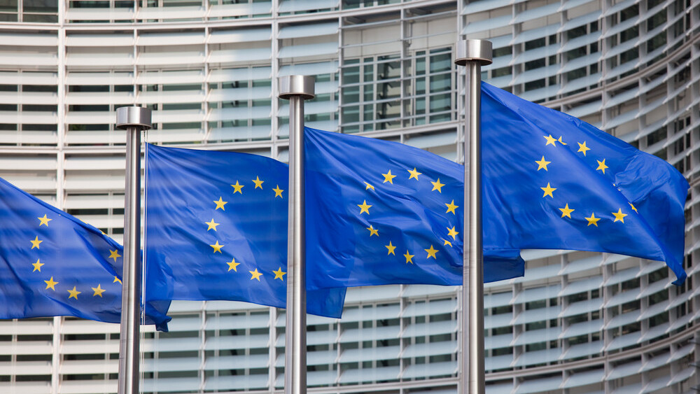 Europe's court just dealt a major blow to US tech companies: Safe Harbor is invalid