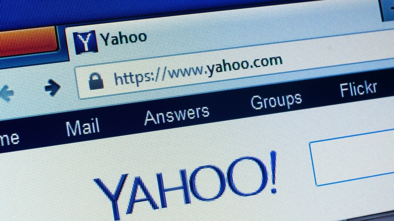 Yahoo to consider selling itself off before it collapses