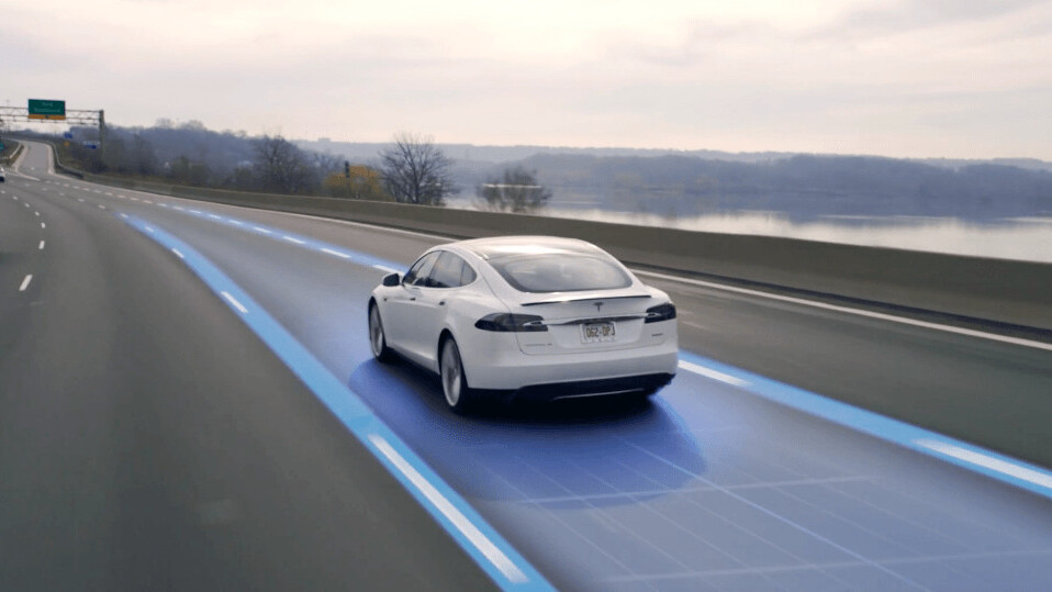 Tesla owners can now try Autopilot for free for one month