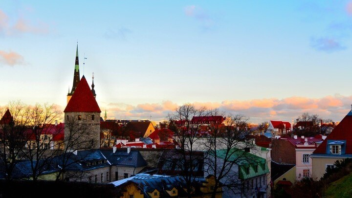 Estonia: Between East, West and the World