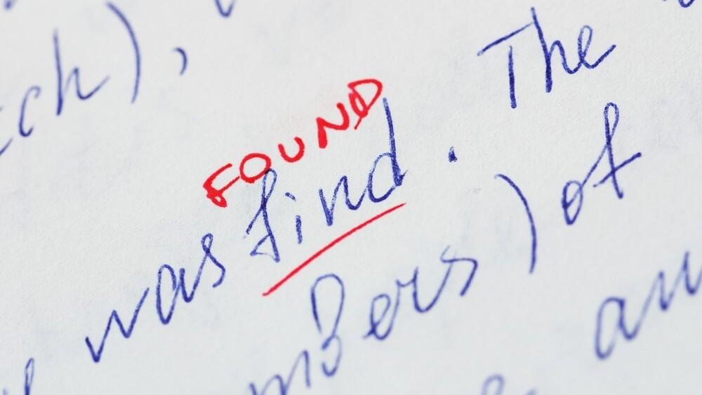 Deep Grammar will correct your text using AI technology