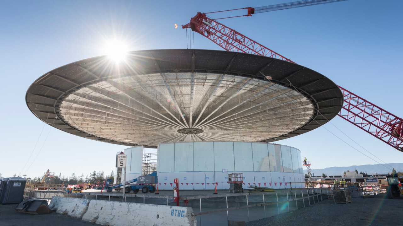 The roof on Apple's new 'Theatre' is an amazing one-piece design that weighs 80 tons
