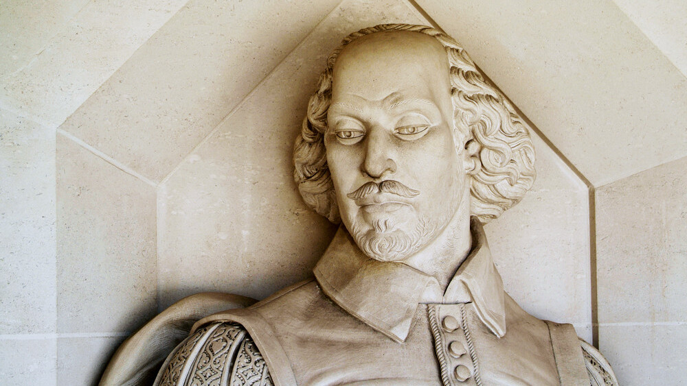 Be the Shakespeare of Facebook: The enormous guide to writing spectacular social media content