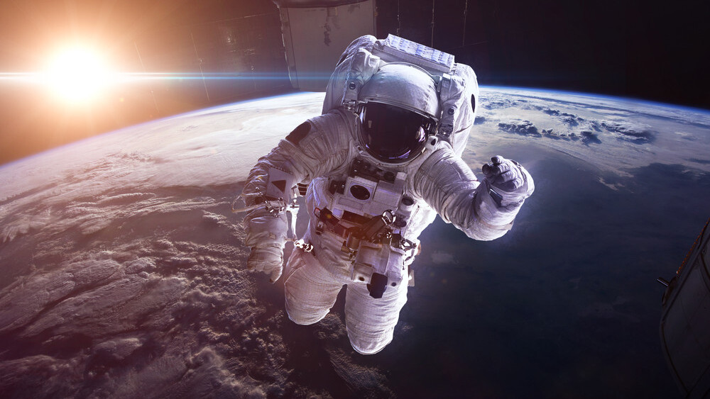 This thread about peeing in space is the best thing on Twitter today