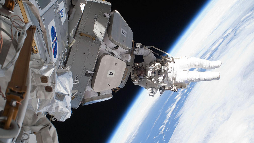 NASA's awesome Snapchat story lets you experience life on the ISS
