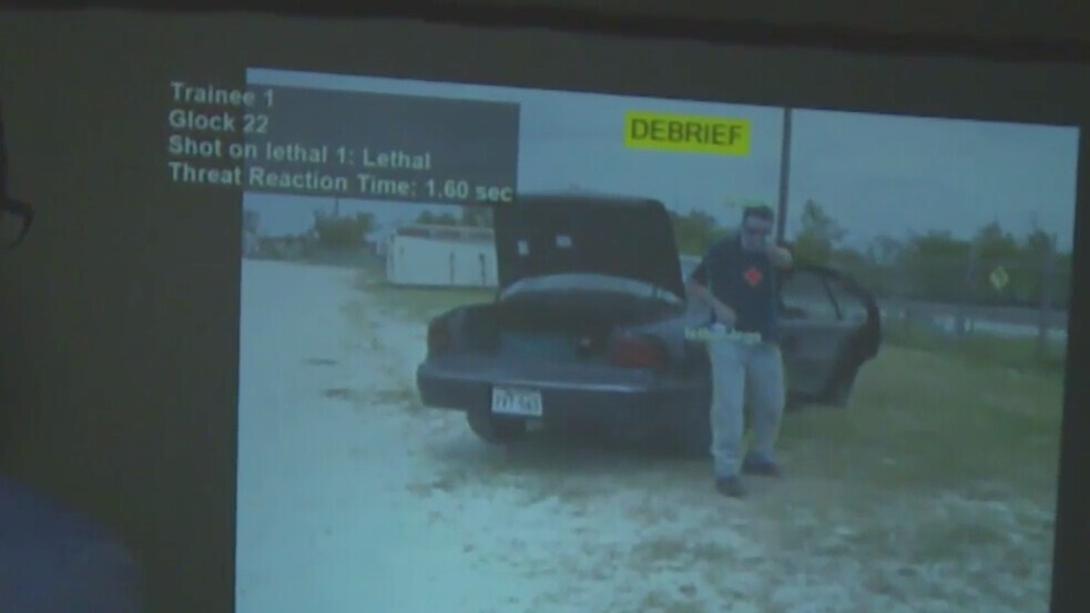 Simulation software helps police officers decide when to shoot or not to shoot